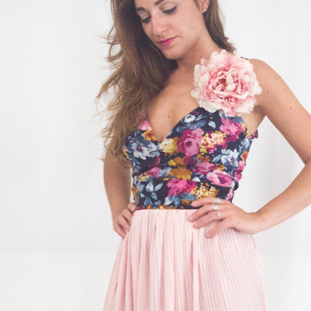 Top scollato con fiore | Colore Blu | Made in Italy